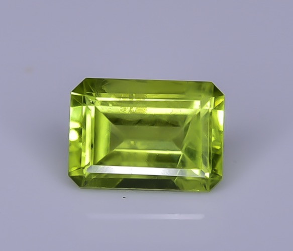 1.13 Crt Peridot Faceted Gemstone (R58)