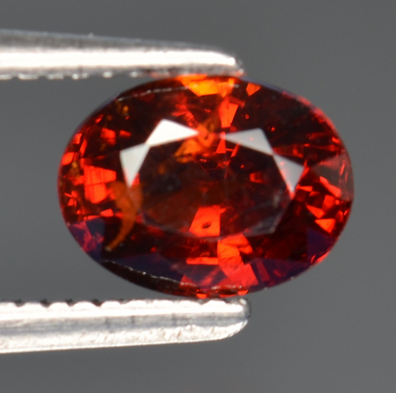 1.52 CT SPESSARTITE GARNET WITH TOP LUSTER FG4