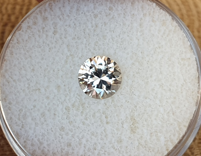 1,18ct White Zircon - Master cut!
