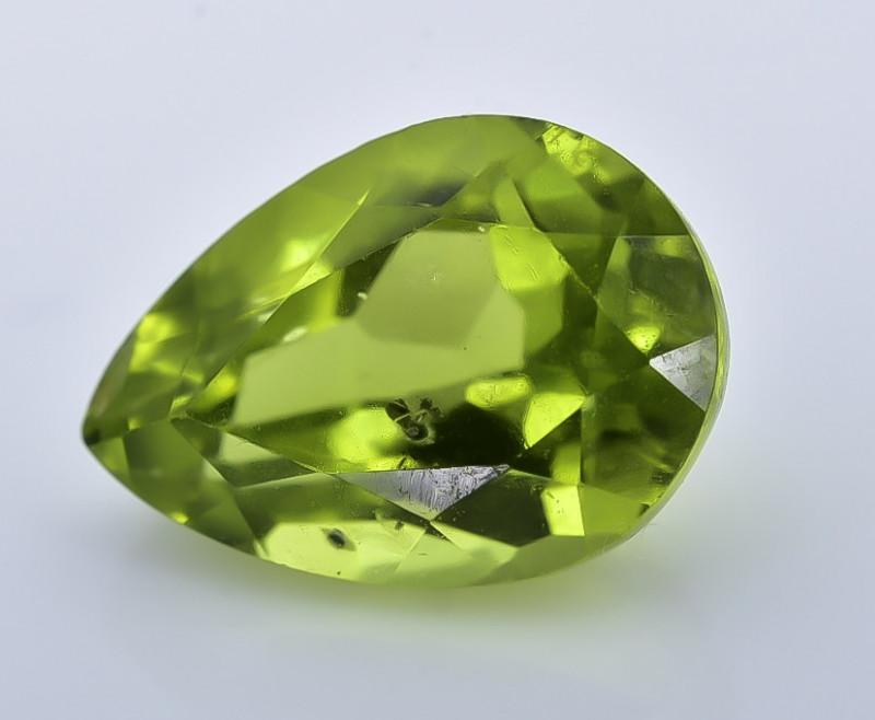 2.80 Crt Peridot Faceted Gemstone (R59)