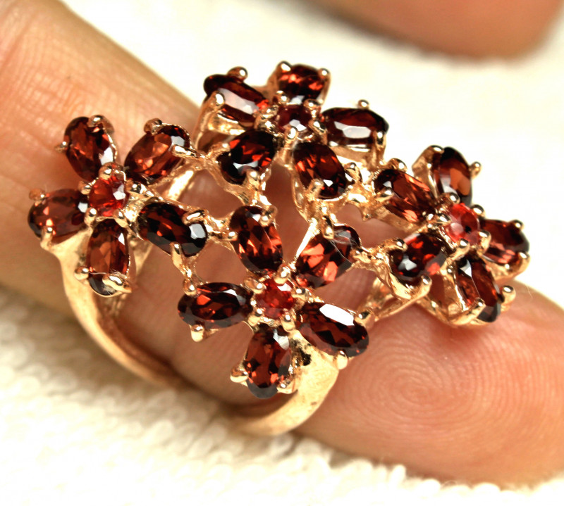 47.1 Tcw. Sterling Silver, Rose Gold Plated Garnet Ring - Sz.6.5