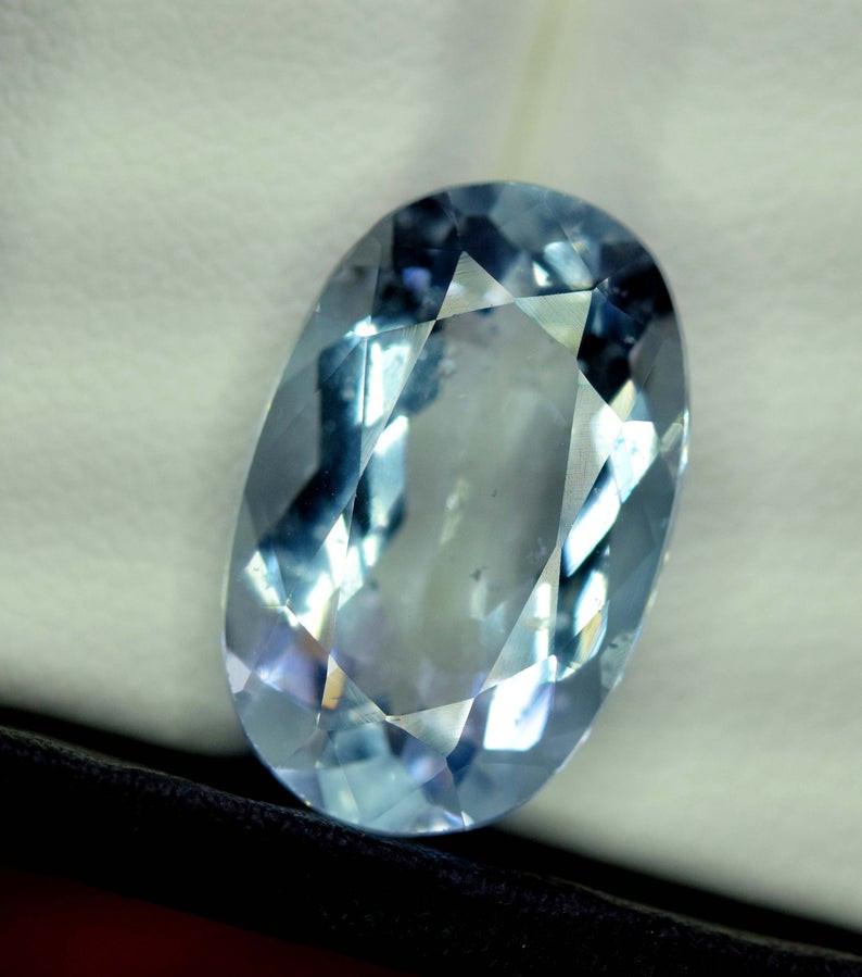 8.35 Carats Oval Cut Natural Top Grade Color Aquamarine Gemstone from pakis