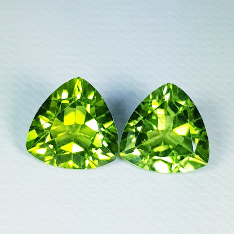Parcel Pair of 4.85 ct  Top Quality Triangle Cut Top Natural Peridot