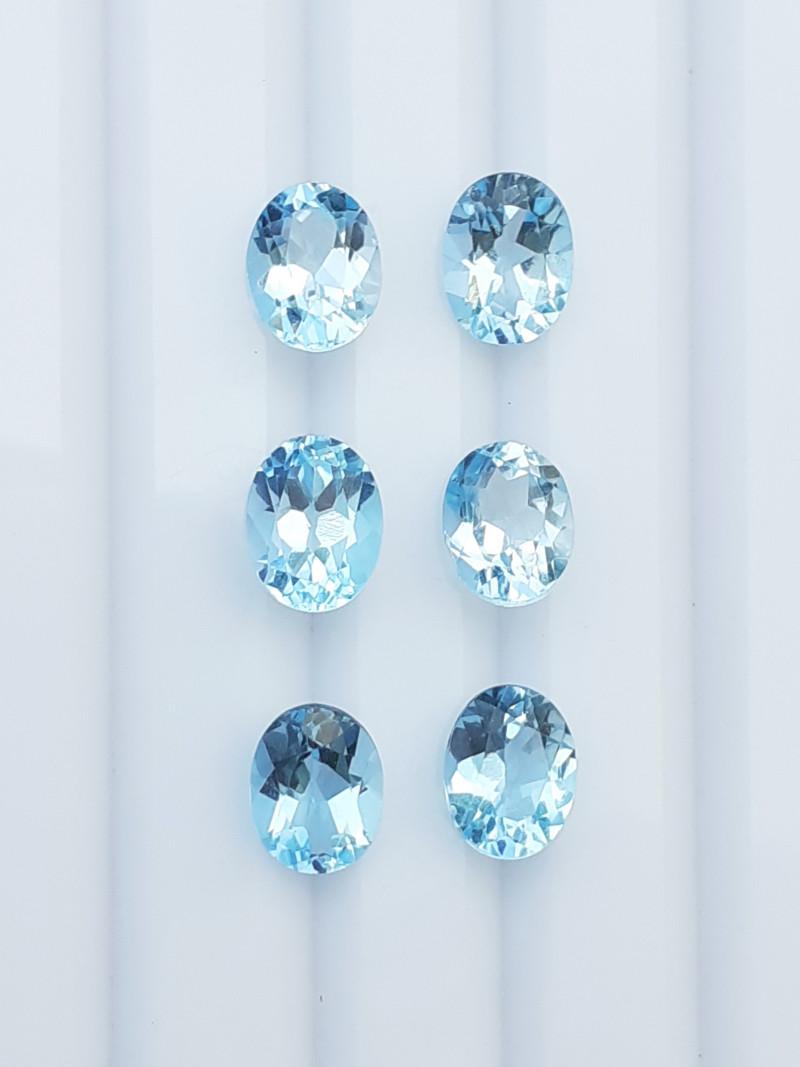 13.5Cts Natural Blue Topaz Gems.