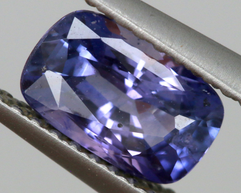 1.17  CTS  BEAUTIFUL  FACETED SAPPHIRES RNG- 258