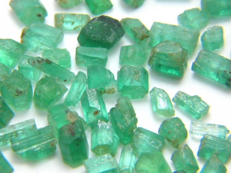 86Ct Natural Emerald Facet Rough Parcel