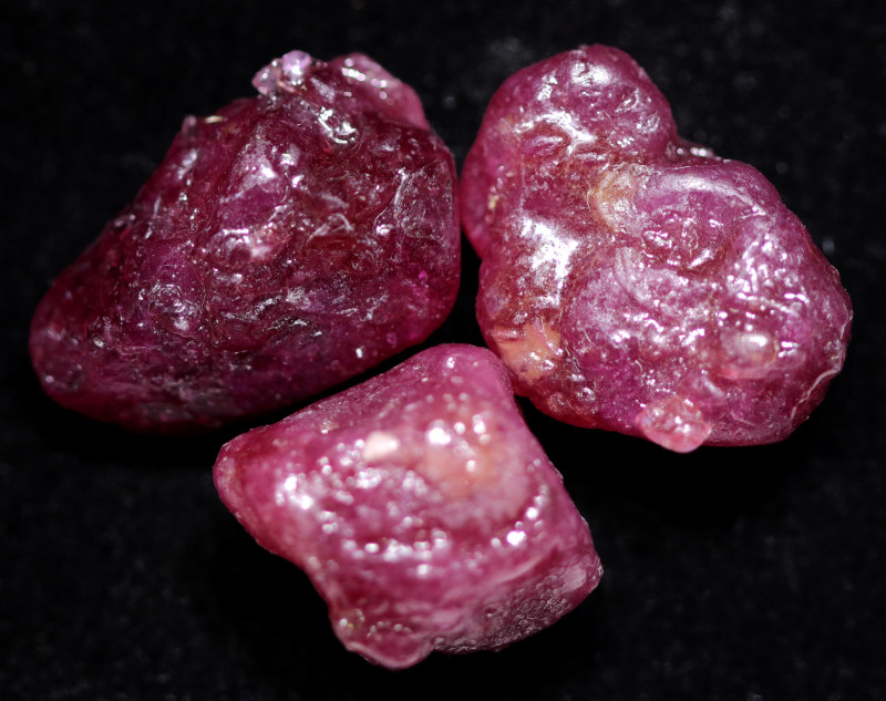 72.60 CTS RUBY ROUGH PARCEL FROM MADAGASCAR  -TREATED  [F8326]