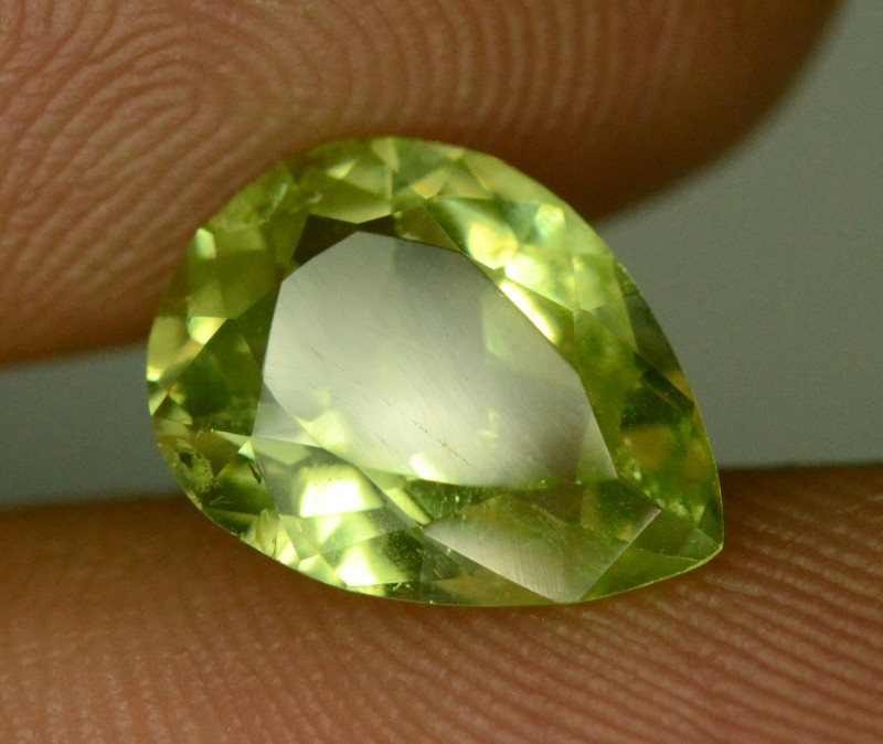 2.40 ct Light Green Tsavorite Garnet