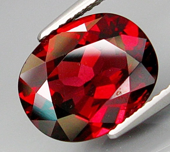5.89 Ct. Natural Top Red Rhodolite Garnet Africa  – IGE Certificate