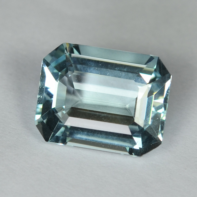 7.09 Cts Stunning Lustrous Natural Aquamraine