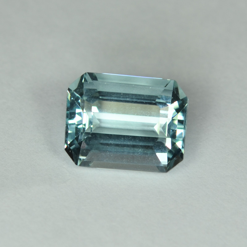 8.05 Cts Stunning Lustrous Natural Aquamraine