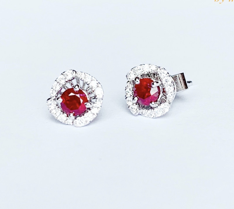 Detachable Vivid red ruby and diamonds earrings
