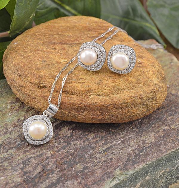 Elegant Pearl 925 Sterling Silver Set (SSS0645)