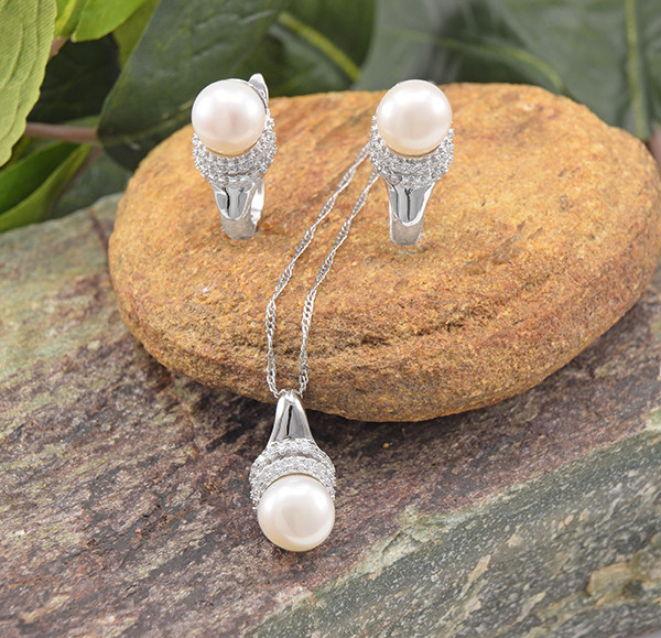 Classy Pearl  925 Sterling Silver Set (SSS0648)