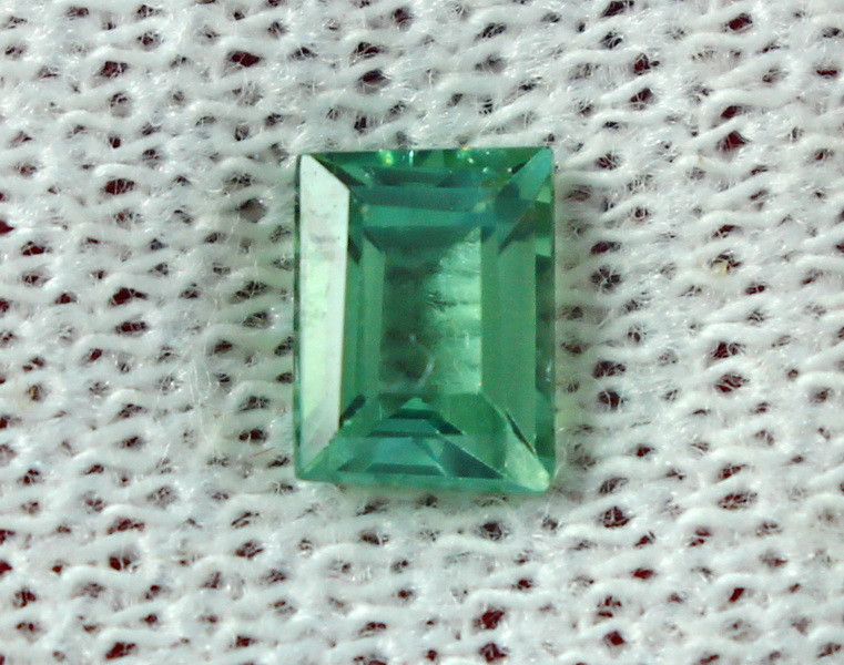 0.90 Cts Beautiful, Superb  Green Tourmaline Gemstone