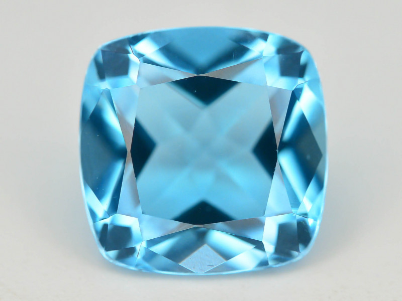 Brilliant Cut 3.65 ct Top Color Blue Topaz ~ Swiss