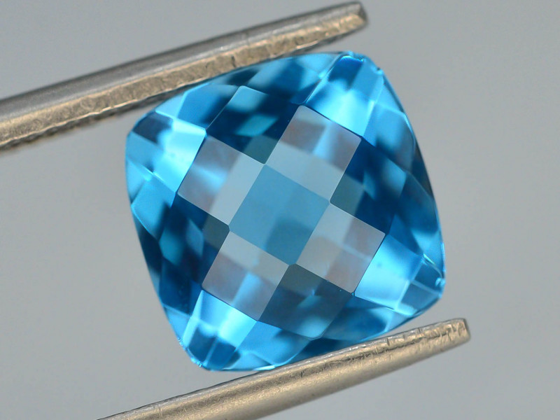 Brillient Cut 7.25 ct Top Color Blue Topaz ~ Swiss