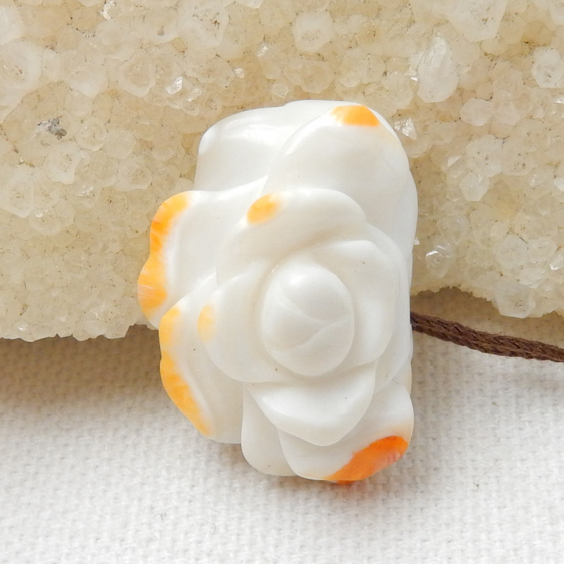 29.5 Cts Beautiful Shell Flower Carving Cabochon E793