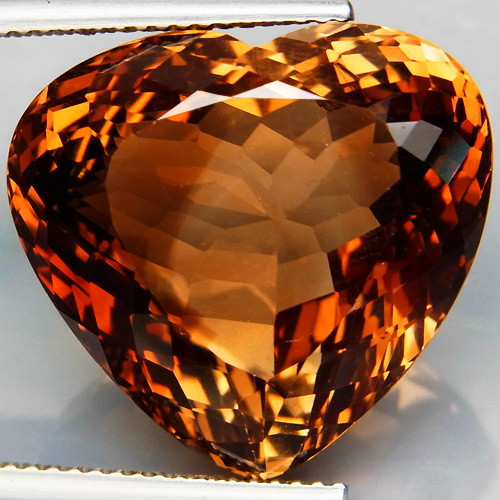 32. 50 ct. Top Quality 100% Natural Topaz Orangey Brown Brazil
