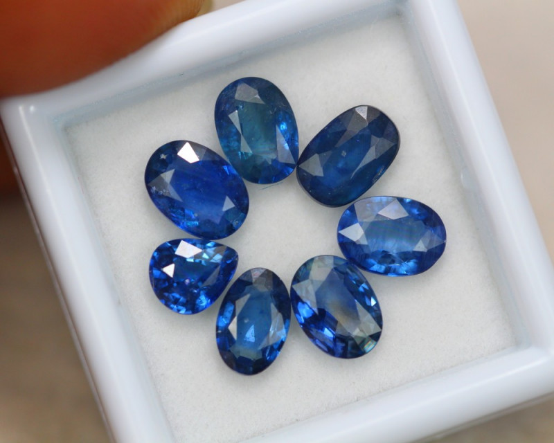 5.88ct Natural Ceylon Blue Sapphire Oval Cut Lot V7761