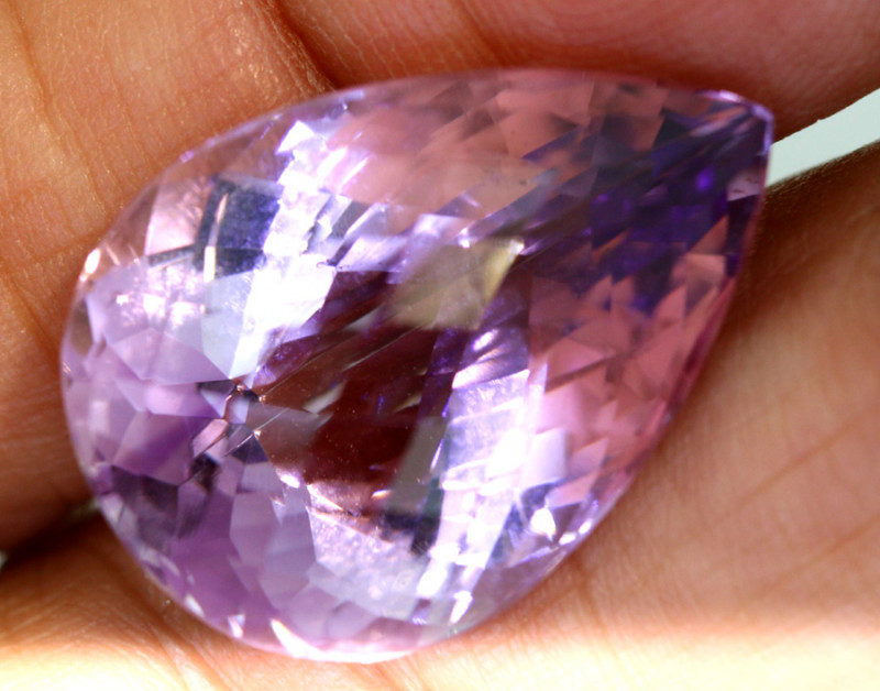 22 - CTS AMETHYST FACETED STONE CG-2853