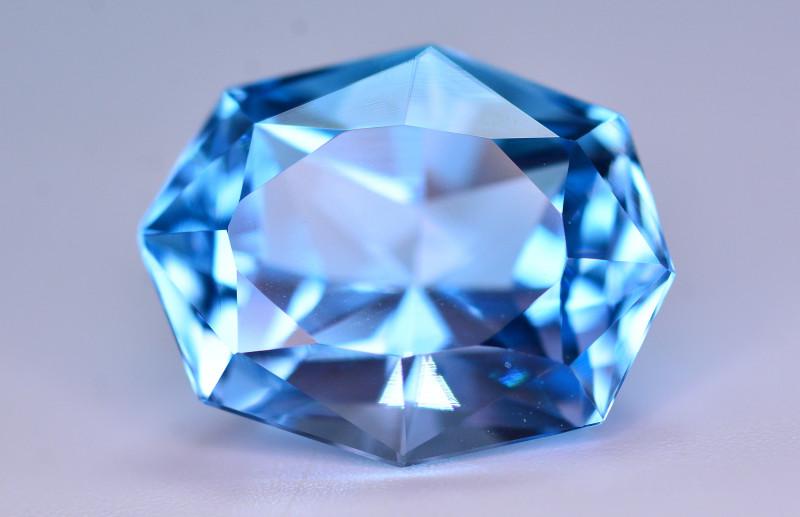 Stunning 10.95 Ct Natural Blue Topaz Gemstone