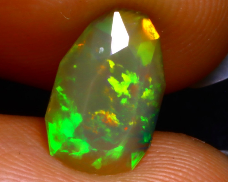 Welo Opal 1.10Ct Natural Ethiopian Play of Color Opal DR37