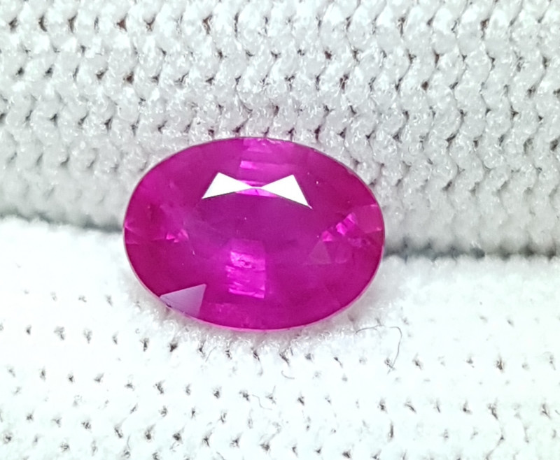 CERTIFIED 1.09 CTS NATURAL STUNNING PINKISH RED RUBY FROM BURMA