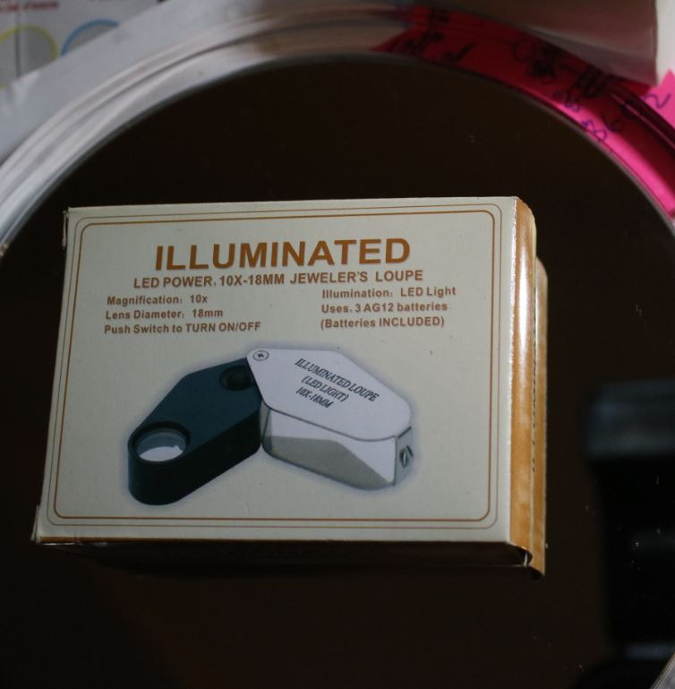 Illuminated Jewelery Loupe 10X 18mm Diameter Essential in Field