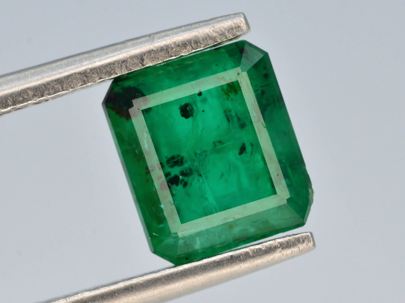 Top Quility 2.20 ct Natural Vivid Green Color Emerald~Swat