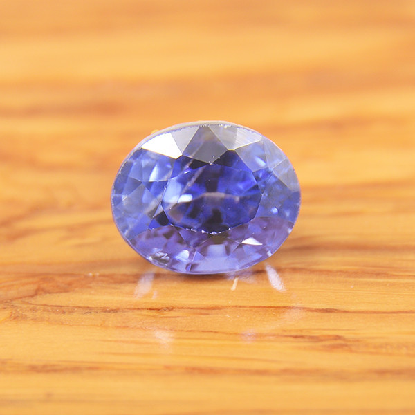 Natural Sapphire, Ceylon /Untreated  1.02 Ct  (01688)