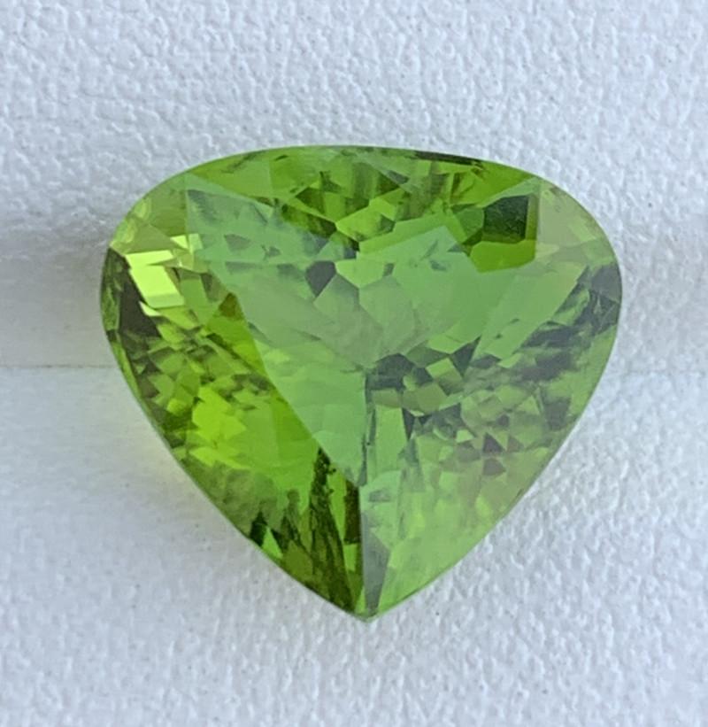 9.10 Carats  Peridot Gemstones FROM PAKISTAN