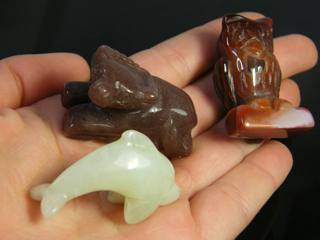 PARCEL 3 ANIMAL   CARVING  284 CARATS    AG1200