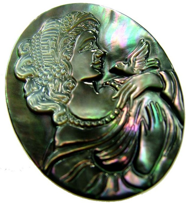 MOTHER OF PEARL CARVING 20.25 CTS [MX3277 ]