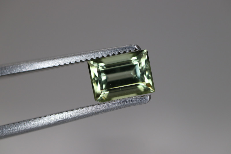 #123 1.10CT COLOR  UNTREATED EYE CLEAN