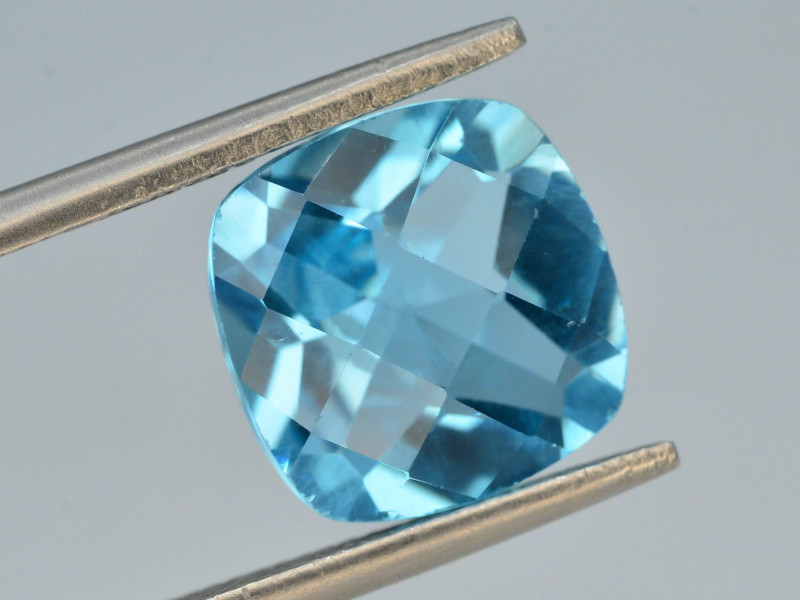 Brillient Cut 4.60 ct Top Color Blue Topaz ~ Swiss