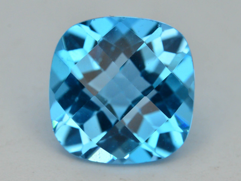 Brillient Cut 5.20 ct Top Color Blue Topaz ~ Swiss