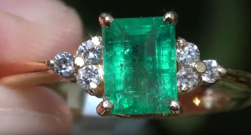 Panjshir Emerald 1.80ct with Diamonds Solid 18K Yellow Gold Ring