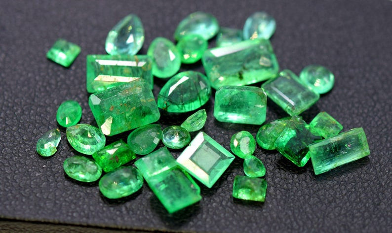 10.10 cts Natural Emerald Gemstones Parcel from Swat