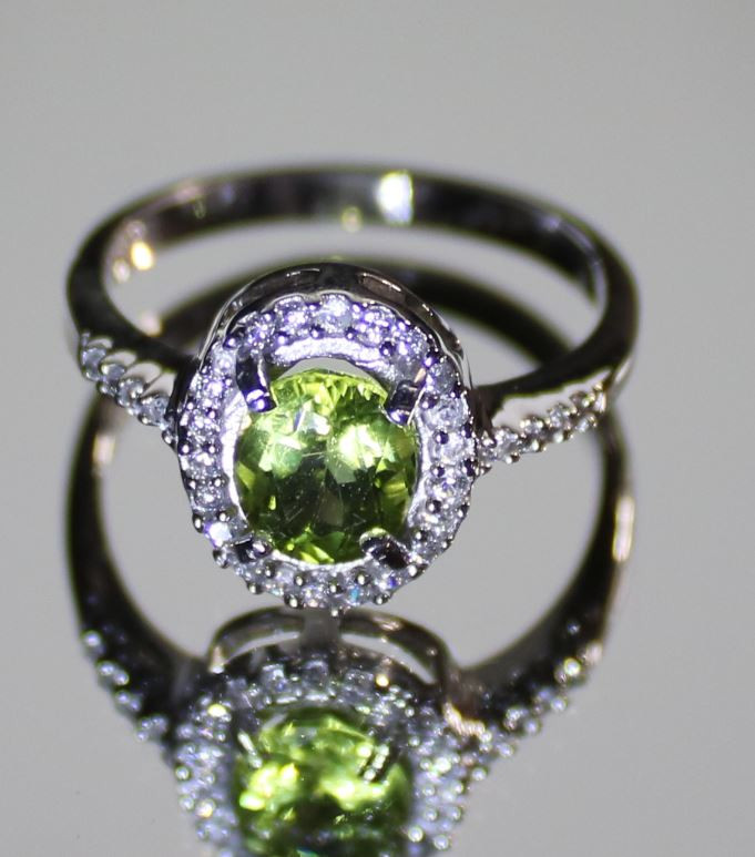 Peridot 1.20ct Platinum Finish Solid 925 Sterling Silver Ring, Natural, Unt