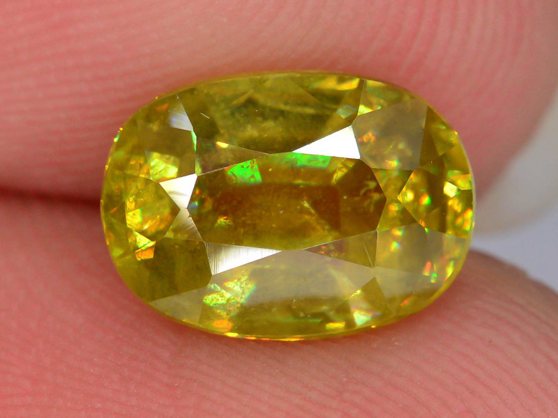AAA Sparking 2.0 ct Mezmarizing Dispersion Sphene