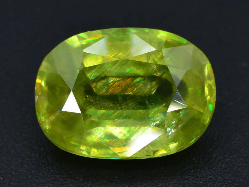 AAA Sparking 3.45 ct Mezmarizing Dispersion Sphene