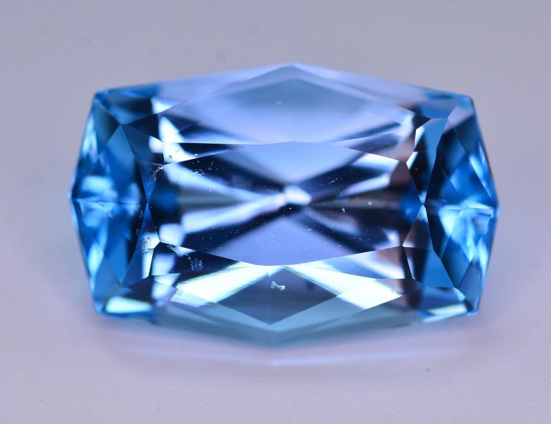 Stunning 23.35 Ct Natural Blue Topaz Gemstone