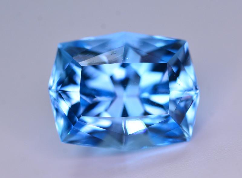 Stunning 11.35 Ct Natural Blue Topaz Gemstone