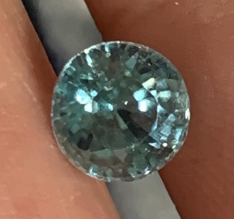 1.65ct Beautiful Blue Zircon  Gem  -No reserve