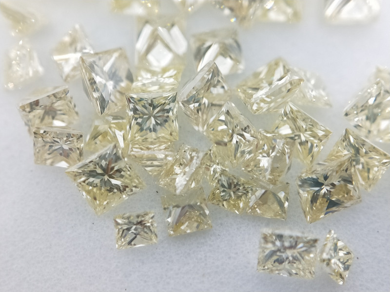 Assorted Fancy Yellow Princess Cut Diamond ,Mix Size  1.00 cts , 1 mm to 3m