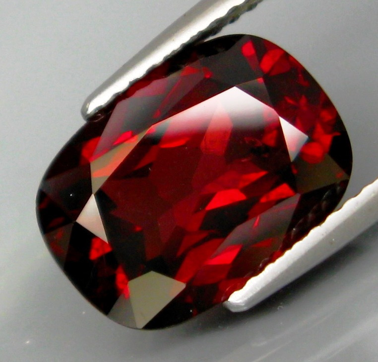5.48 Ct. Natural Top Red Rhodolite Garnet Africa – IGE Certificate
