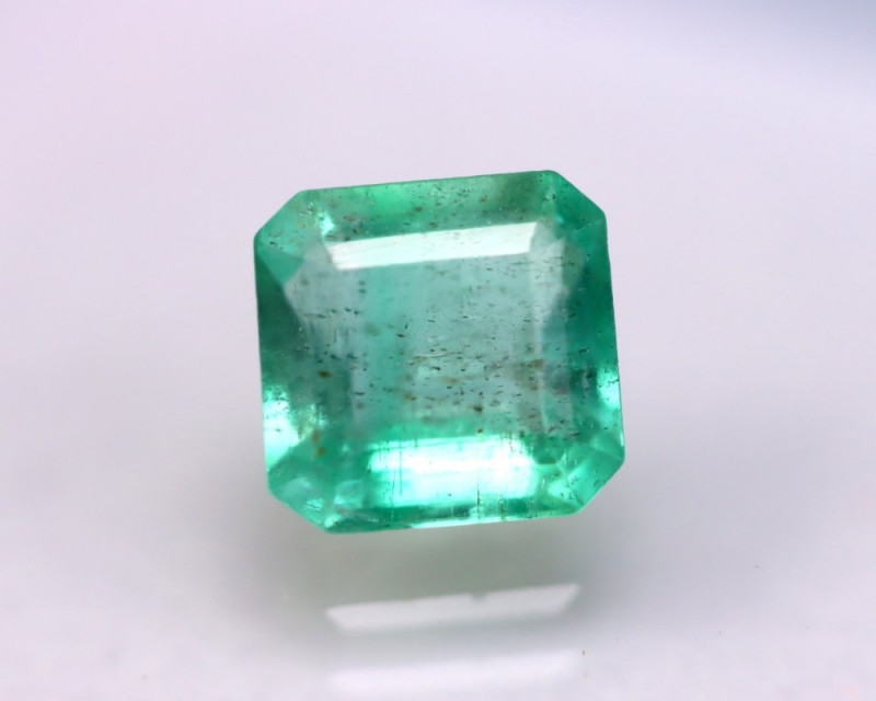 Emerald 2.00Ct Natural Colombia Green Emerald DR72