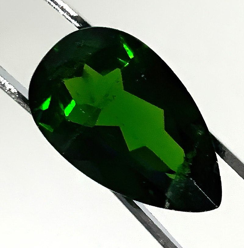 5.25CT LARGE EMERALD GREEN CHROME DIOPSIDE -