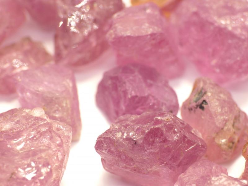 416Ct Natural Pink Spinel Rough Parcel